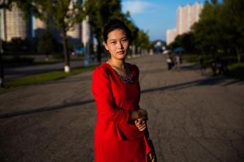 На одном из широких бульваров Пхеньяна.